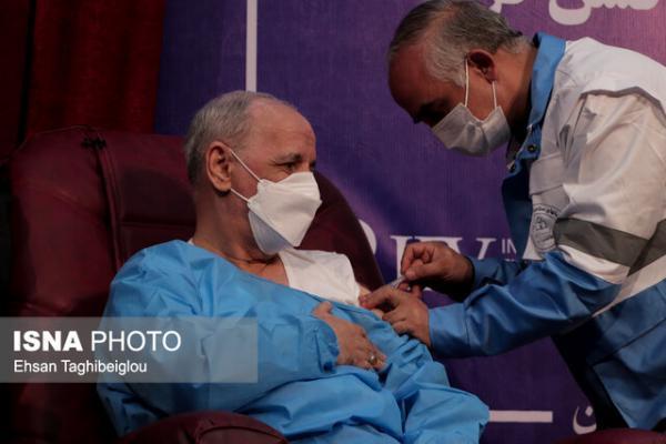 تزریق واکسن کرونا در مرحله بالینی به معاون رئیس جمهور در زنجان